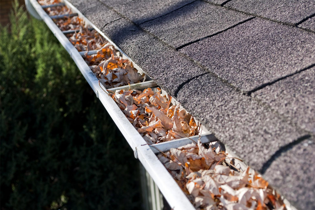 Concord Seamless Gutters - Gutter Cleaning 1